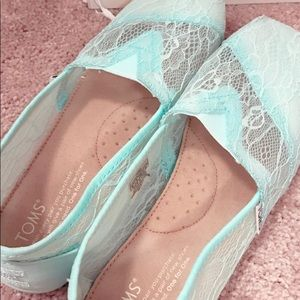 Beautiful Tiffany blue Toms